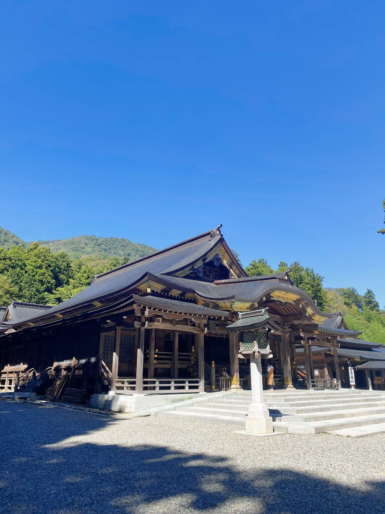 弥彦神社 カフェ